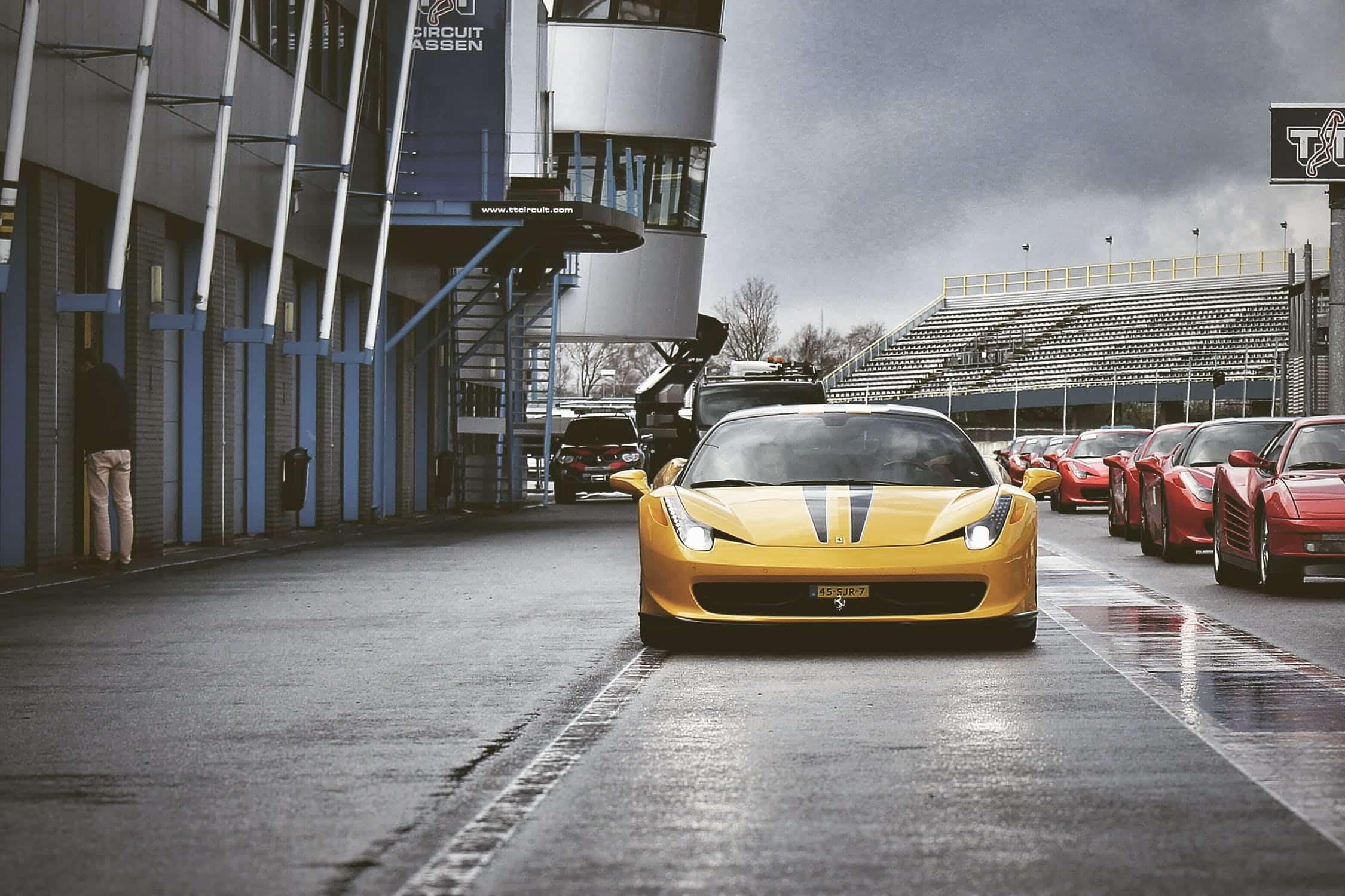 Une belle voiture de course
