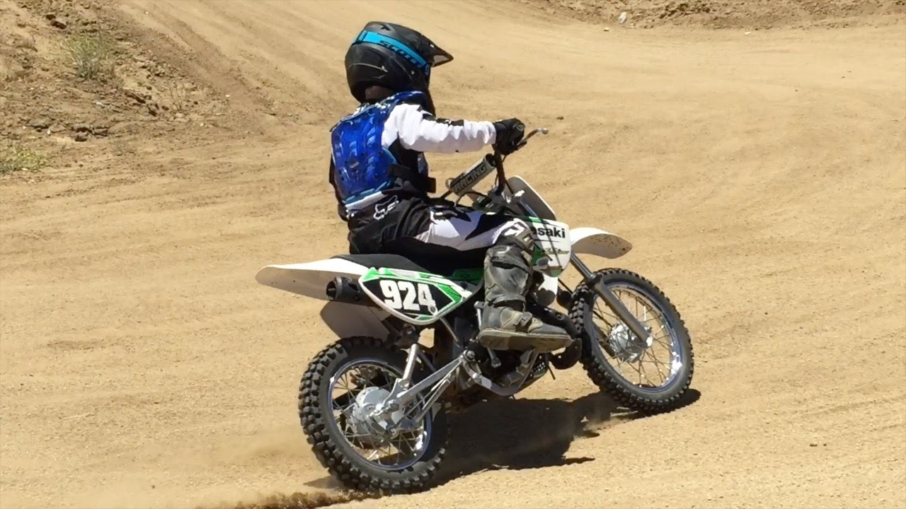 Conduite de Dirt Bike en compétition