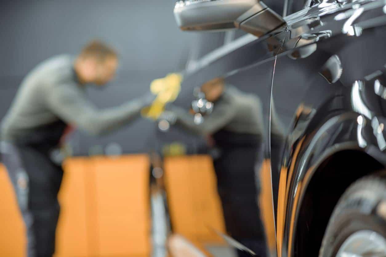 carrosserie voiture rayure réparer véhicule peinture
