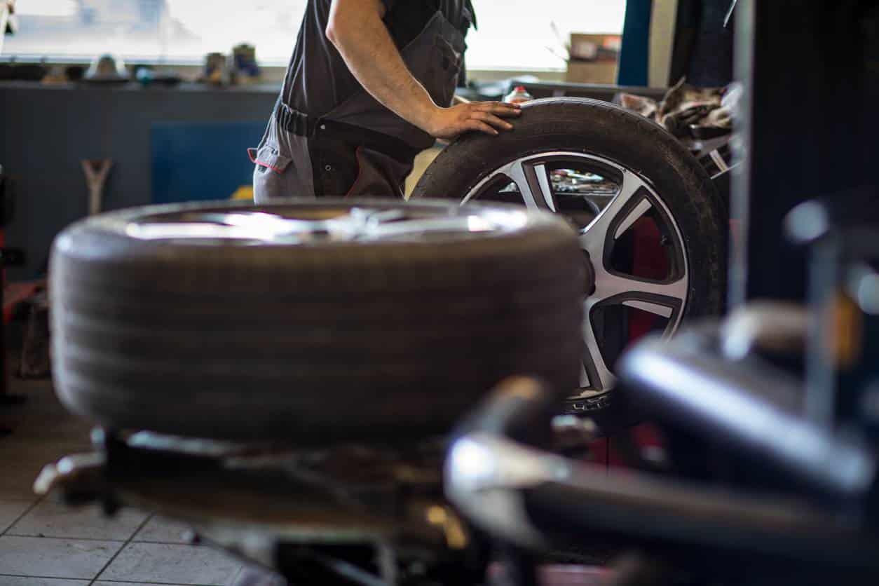 changement pneus contrôle usure pneu pas cher
